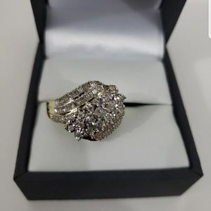 NEW 10k gold 1/2 CT Diamond cocktail ring 7